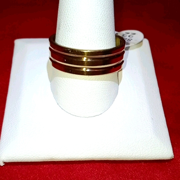HP!! NWT Gold Band Stainless Steel 10.5 Ring!!